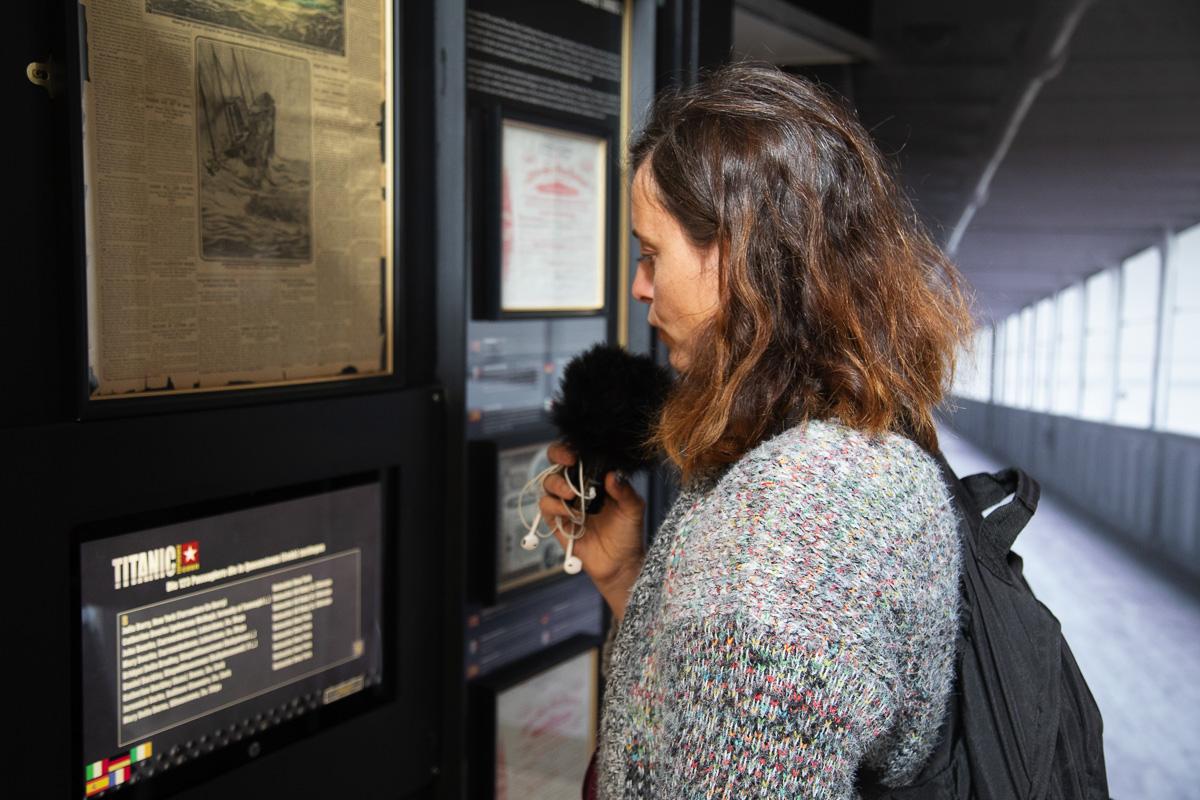 """Fee bei den Aufnahmen zum Podcast """"Erlebnis Irland"""" in der Titanic Experience Cobh"""